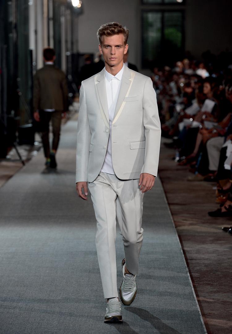 b3d61d2610 Per quanto riguarda Milano Moda Uomo, invece, si comincerà sabato 23 giugno  con tanti protagonisti come, solo per citarne alcuni, Jil Sander  Ermenegildo ...