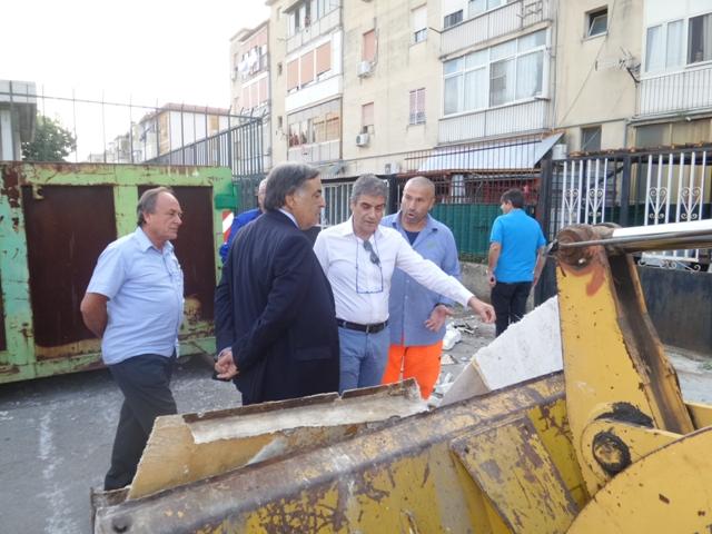 Palermo rimossa baracca usata da spacciatori e for Baracca da cantiere usata