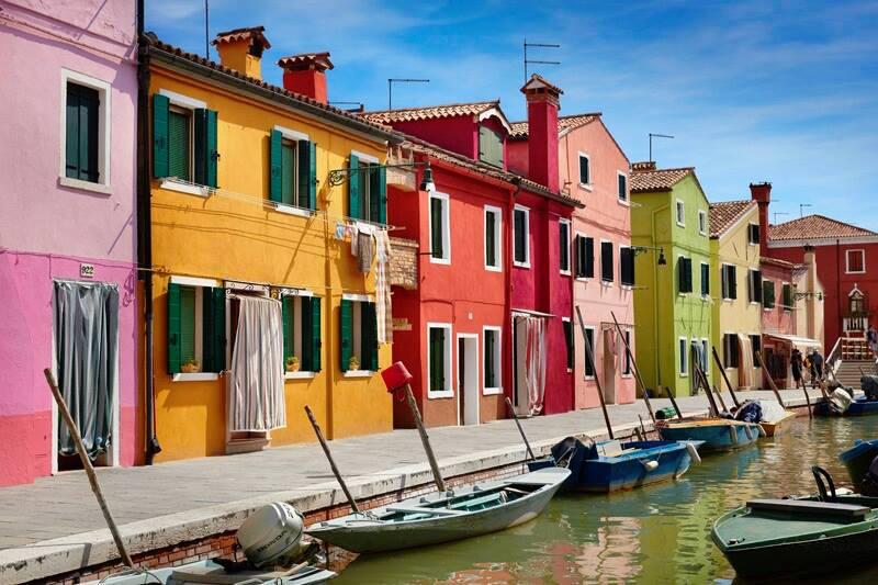 Sferracavallo come notting hill facciate degli edifici - Facciate di case colorate ...